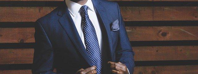 business-suit-690048_640 (1)